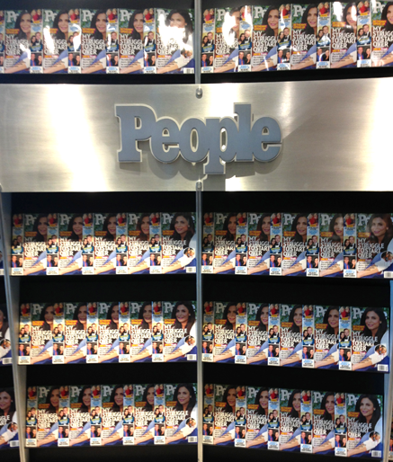 people-newsstand